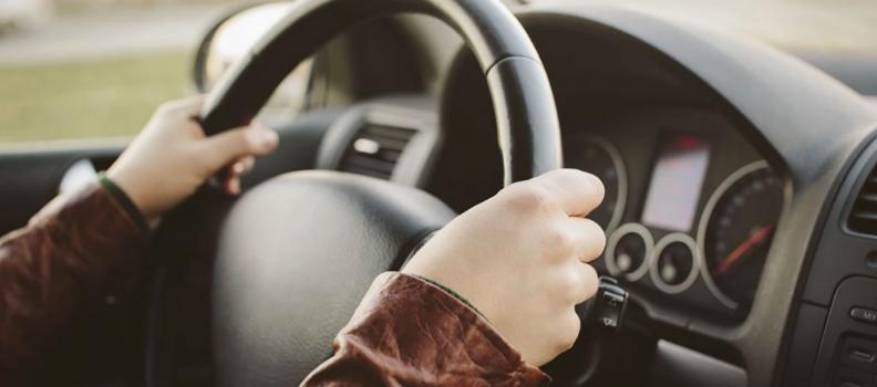 Παρέμβαση Καλογήρου για τα προβλήματα που δημιουργούν οι νέες ρυθμίσεις για τις άδειες οδήγησης