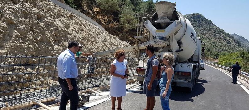 Επίσκεψη της Περιφερειάρχη στην παράκαμψη της Λαγκάδας και το Ακράσι