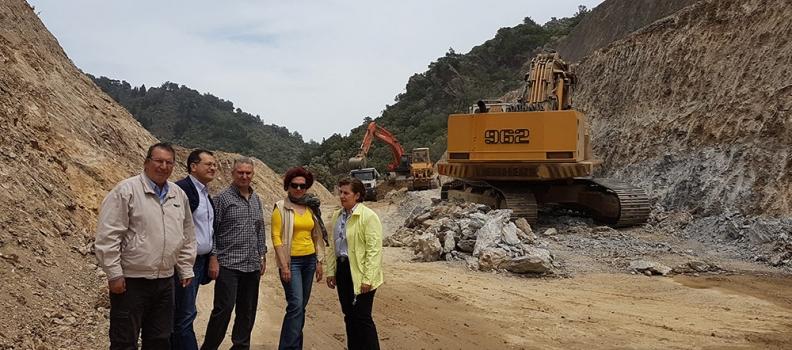 Επίσκεψη της Περιφερειάρχης στο έργο της κατασκευής της παράκαμψης της Λαγκάδας