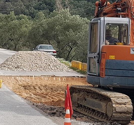 Επίσκεψη της Περιφερειάρχη στο έργο συντήρησης της επαρχιακής οδού Παπάδου-Πλωμαρίου.