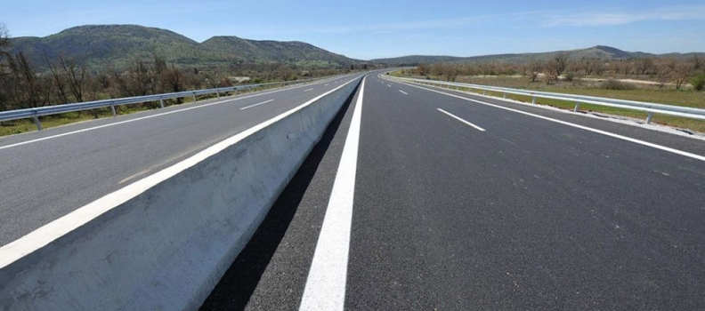 Υπογραφή σύμβασης για τη συντήρηση του επαρχιακού οδικού δικτύου Καλλονής- Πέτρας, Πέτρας- Ανάξου- Σκουτάρου- Σκαλοχωρίου