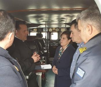 Παράδοση ναυαγοσωστικού σκάφους στο Λιμεναρχείο Μυτιλήνης από την Περιφέρεια Βορείου Αιγαίου