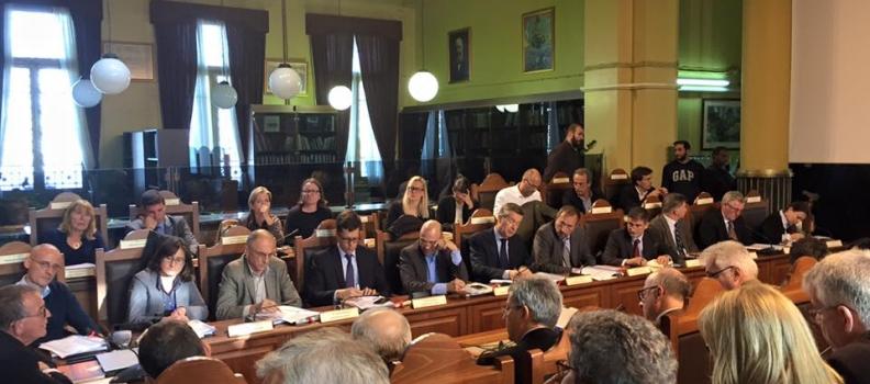 Σύσκεψη με πρέσβεις χωρών μελών της Ε.Ε. για το προσφυγικό