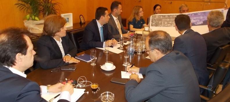 Υπογραφή μνημονίου συνεργασίας για τη βελτίωση του αεροδρομίου της Χίου