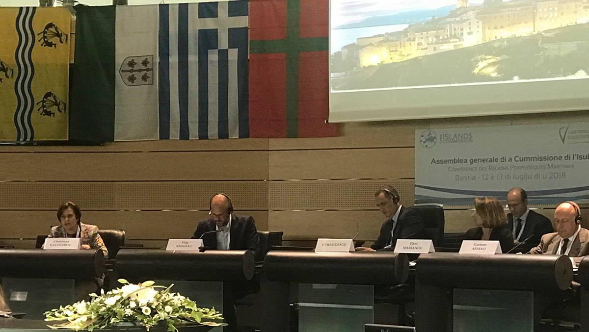 Είναι ανάγκη η νέα Πολιτική Συνοχής να περιλάβει ειδικά κίνητρα για τις νησιωτικές Περιφέρειες