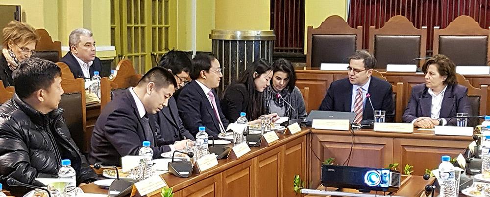 Συνάντηση της Περιφερειάρχη με τον επικεφαλής της Περιφέρειας Yanqing της Κίνας